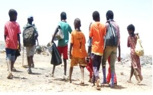 garowe-garbage-dumpsite_children